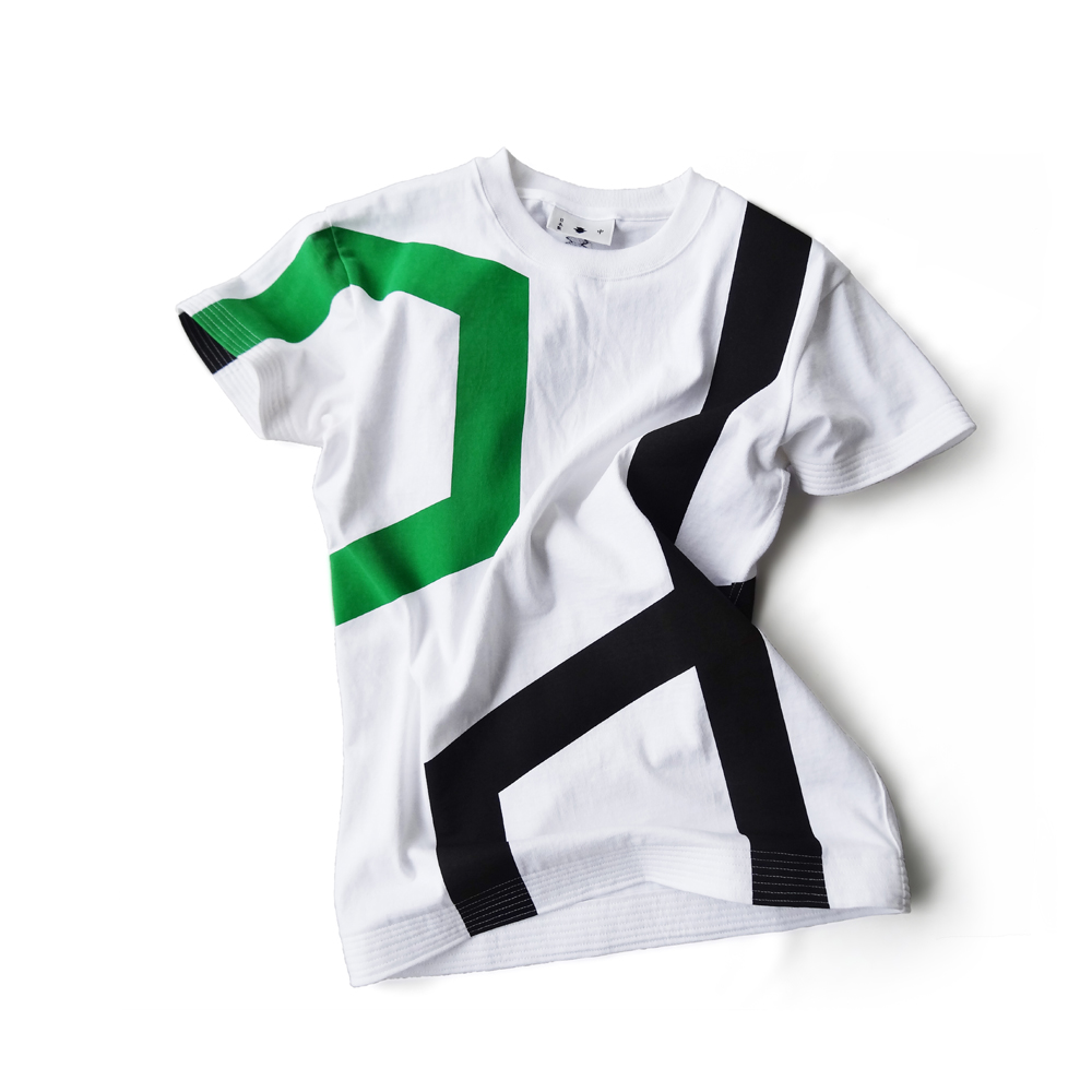 "<div style=""width:60px;display:inline-block;"">model</div> T-shirt #1 ""Tangling Sash""<br><div style=""width:60px;display:inline-block;"">color</div> white<br><div style=""width:60px;display:inline-block;"">material</div> cotton<br><div style=""width:60px;display:inline-block;"">price</div> 9,4000JPY(+tax)"