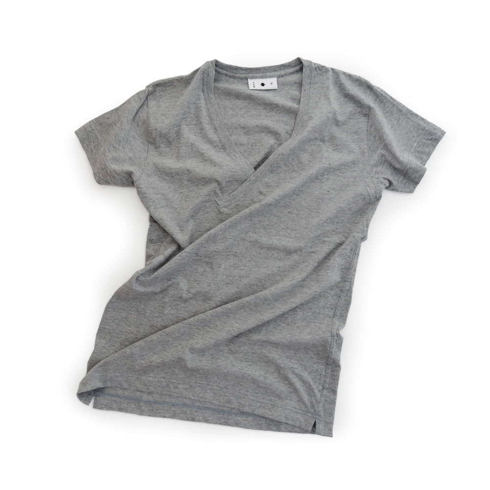 "<div style=""width:60px;display:inline-block;"">model</div> T-shirt #51<br><div style=""width:60px;display:inline-block;"">color</div> frost gray<br><div style=""width:60px;display:inline-block;"">material</div> cotton<br><div style=""width:60px;display:inline-block;"">price</div> 6,800JPY(+tax)"