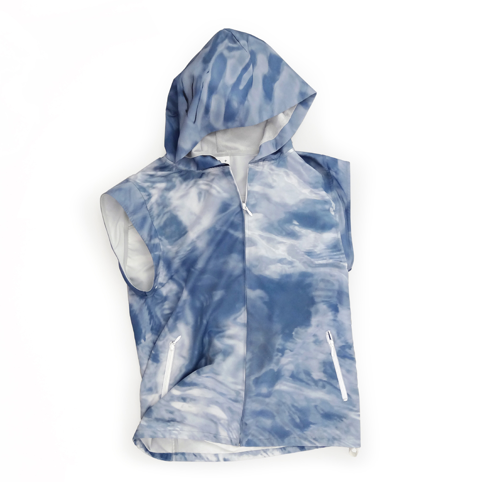 "<div style=""width:60px;display:inline-block;"">model</div> Slight-sleeve Hooded Parka<br><div style=""width:60px;display:inline-block;"">color</div> water<br><div style=""width:60px;display:inline-block;"">material</div> polyester<br><div style=""width:60px;display:inline-block;"">price</div> 24,000JPY(+tax)"