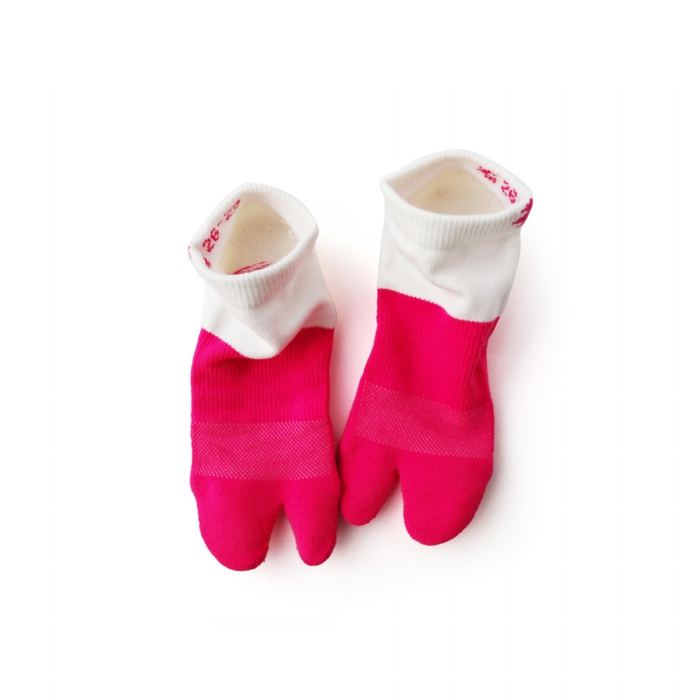 "<div style=""width:60px;display:inline-block;"">model</div> Tabi Socks<br><div style=""width:60px;display:inline-block;"">color</div> peony and white<br><div style=""width:60px;display:inline-block;"">material</div> cotton, polyester, polyurethane, etc <br><div style=""width:60px;display:inline-block;"">price</div> 2,000JPY(+tax)"