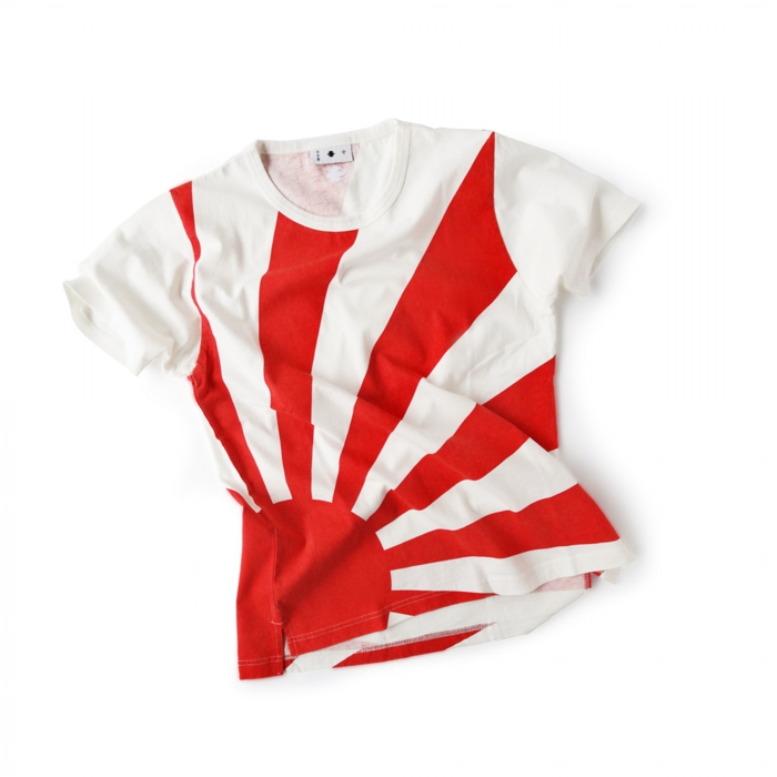 "<div style=""width:60px;display:inline-block;"">model</div> T-shirt #84 ""Risung Sun""<br><div style=""width:60px;display:inline-block;"">color</div> red on white<br><div style=""width:60px;display:inline-block;"">material</div> cotton<br><div style=""width:60px;display:inline-block;"">price</div> 9,800JPY(+tax)"