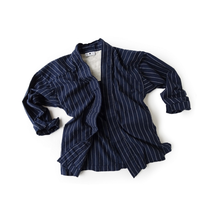 "<div style=""width:60px;display:inline-block;"">model</div> Yamato #4 ""Pinstripe""<br><div style=""width:60px;display:inline-block;"">color</div> white on indigo<br><div style=""width:60px;display:inline-block;"">material</div> 75% cotton, 25% Linen<br><div style=""width:60px;display:inline-block;"">price</div> 28,000JPY(+tax)"